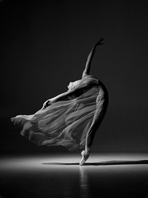 Ballet dancer by Lucie Robinson (czech, born 1978)