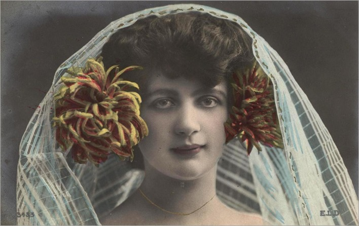 young woman with a veil - Vintage