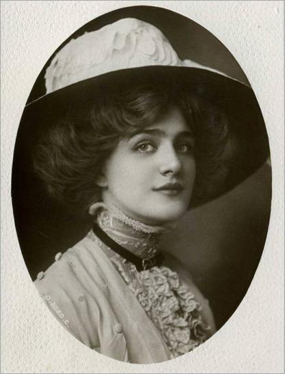 07.Lily Elsie